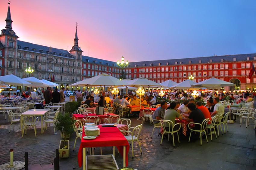 conocer chicas en Madrid