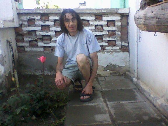 Chezamis, Hombre de Pico Truncado buscando pareja
