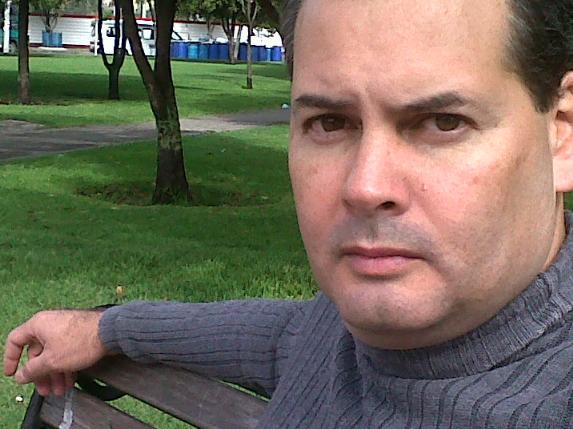 Max001, Hombre de Bogotá buscando pareja