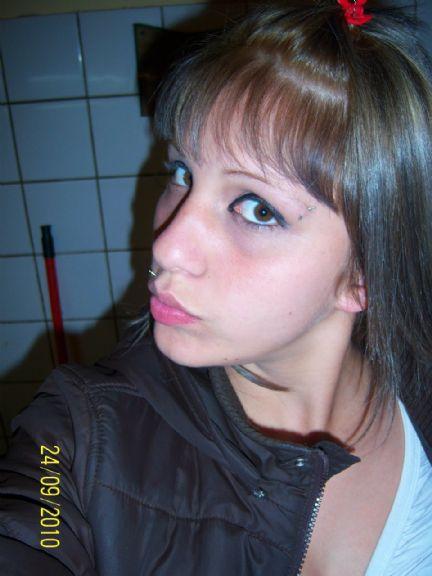 Beel18, Chica de Avellaneda buscando una cita ciegas