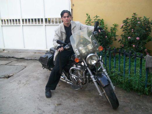 Horacero, Hombre de 9 de Julio buscando amigos