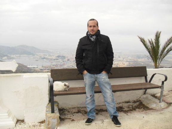 Titosagi, Hombre de Cartagena buscando amigos
