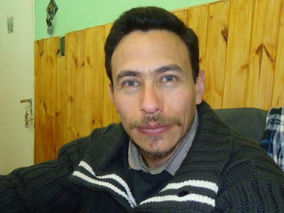 Hoerro10, Hombre de San Luis buscando pareja