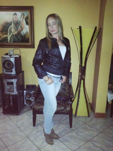 Cahira, Mujer de Medellin buscando amigos