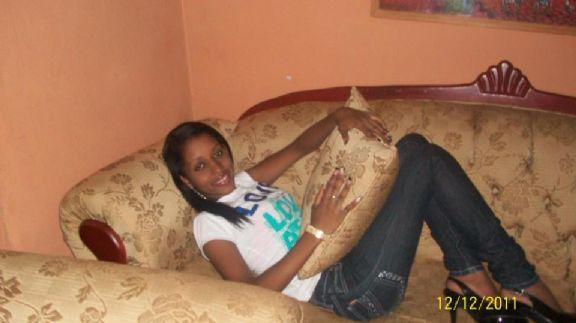 Lanany, Chica de Azua buscando pareja