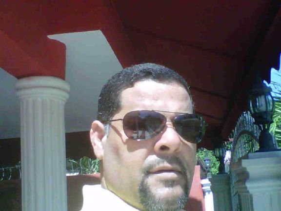 Josuelo, Hombre de New York buscando pareja