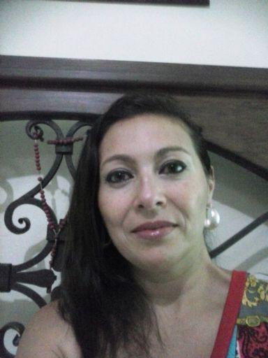 Krava, Mujer de San José buscando conocer gente