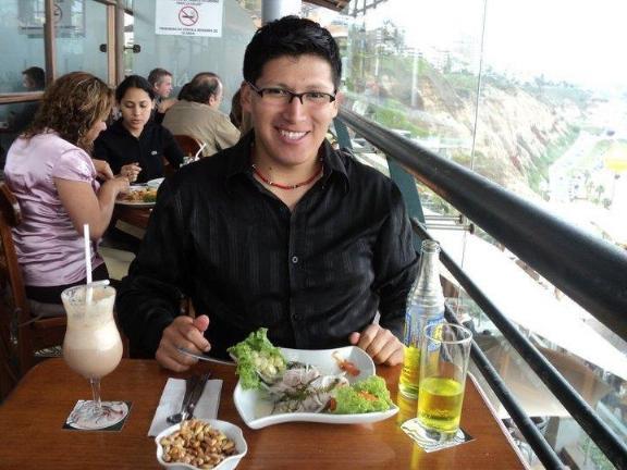 Robertdario, Hombre de Los Angeles buscando pareja