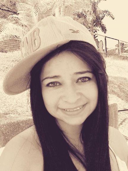 Andreita835, Chica de Miami buscando conocer gente