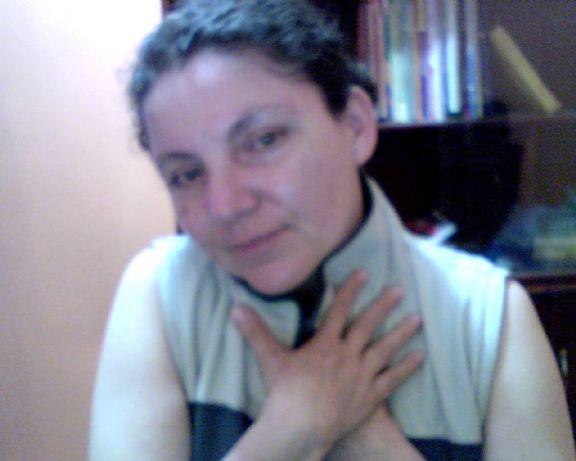 Cat44, Mujer de Ecuador buscando una relación seria