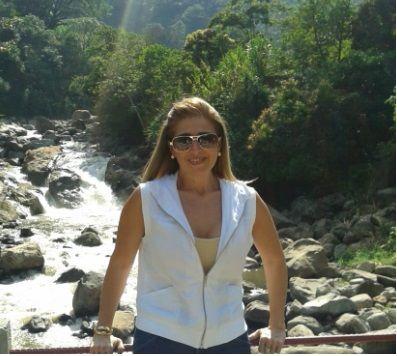 Adrissa, Mujer de Miami buscando pareja