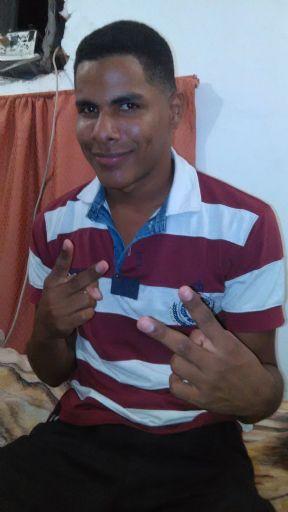Fernando2308, Chico de Aragua buscando conocer gente
