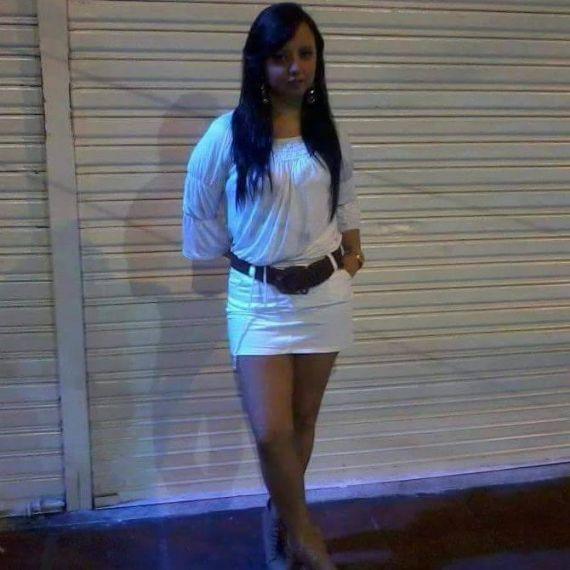 Lorenacj8525, Chica de Apex