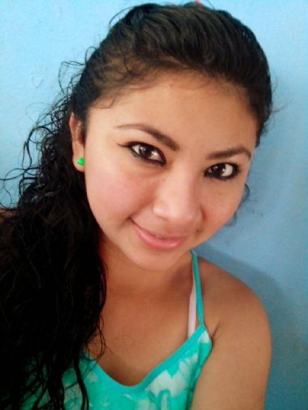 Adrianaaa, Chica de Merida buscando conocer gente