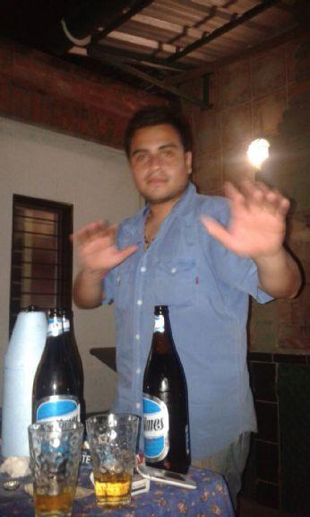 Andresnico10, Chico de San Miguel de Tucuman buscando una cita ciegas