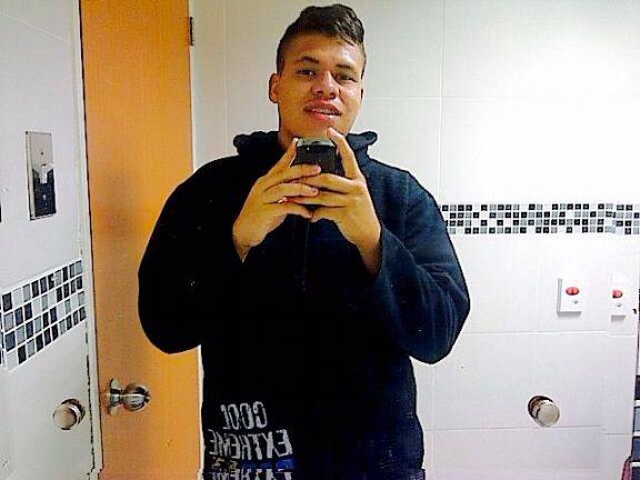 Juancito97, Chico de Urbanización San Jacinto buscando una cita ciegas