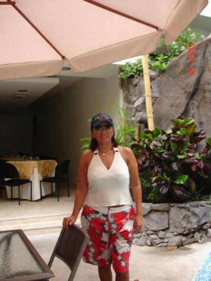 Genesis, Chica de Lima buscando pareja