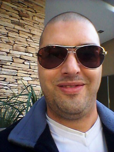 Luciano fabian perazzo, Hombre de Santiago del Estero buscando una cita ciegas
