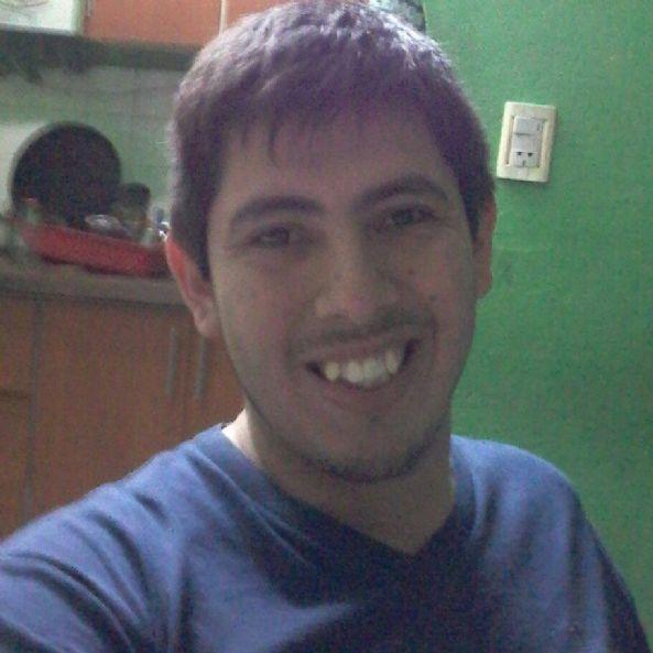 Joshela, Chico de La Banda buscando conocer gente