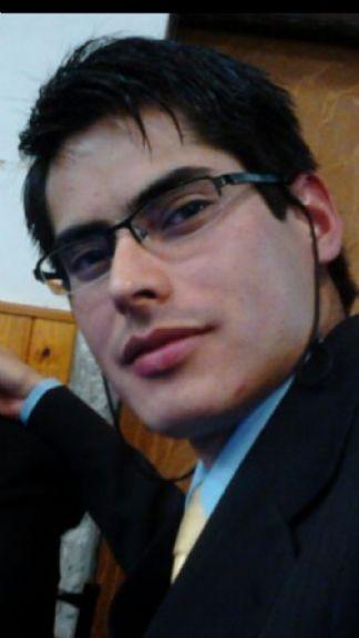Fernando, Chico de Caleta Olivia buscando pareja