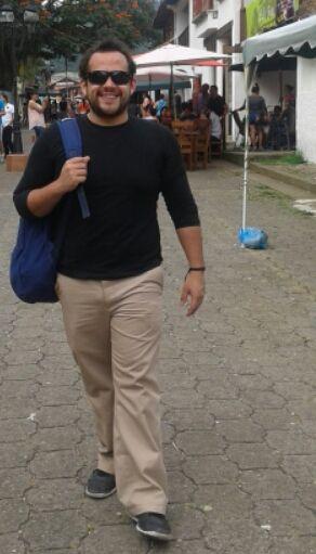 Guillermo, Chico de Tegucigalpa buscando conocer gente