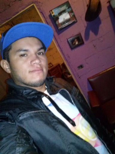 Jose, Chico de San José buscando amigos
