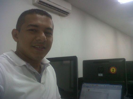Carlos, Hombre de Vigo buscando conocer gente