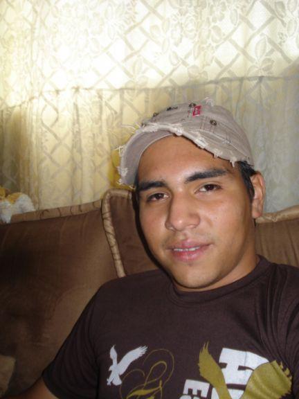 Brayan zuñiga, Chico de Amatitlán buscando conocer gente