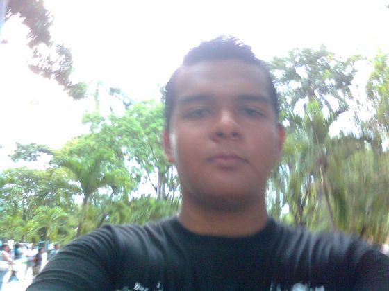 Adrian, Chico de Barquisimeto buscando conocer gente