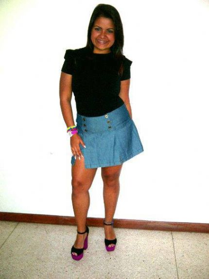 Dulce, Chica de Caracas buscando una cita ciegas