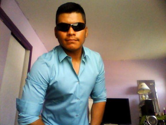 Felipe, Chico de Neptune City buscando conocer gente