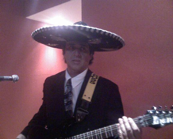 Jorgesamayoamuñoz, Hombre de Ciudad de México buscando una cita ciegas