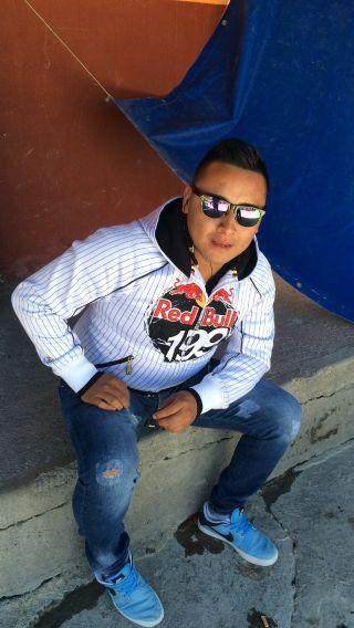 Jonathan , Chico de San Luis Potosí buscando conocer gente