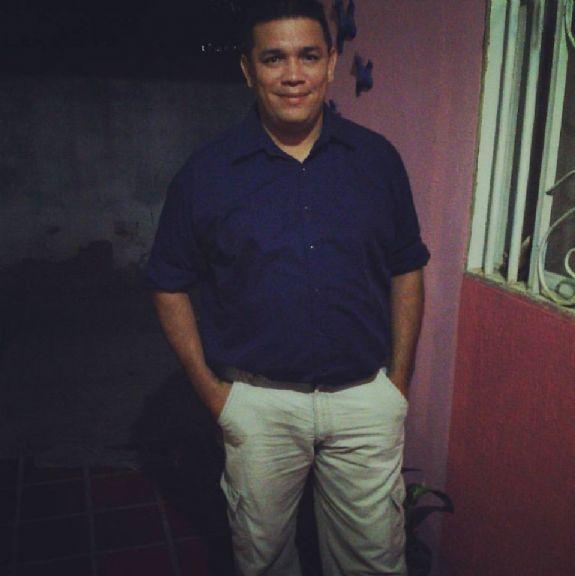 Cesar sulbaran, Hombre de Maracaibo buscando conocer gente