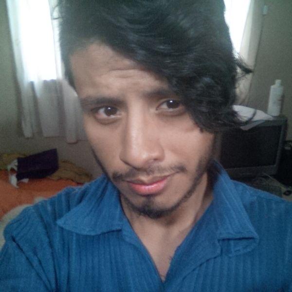 Carlos, Chico de Vigo buscando amigos