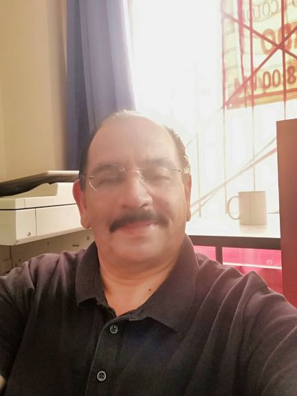 Huberth, Hombre de Alajuela buscando pareja