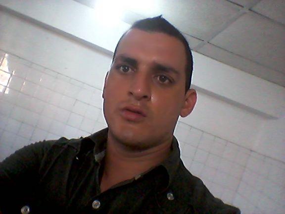 Richard, Chico de Cumanacoa buscando conocer gente