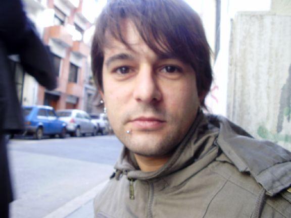 Santiago, Hombre de Avellaneda buscando una cita ciegas