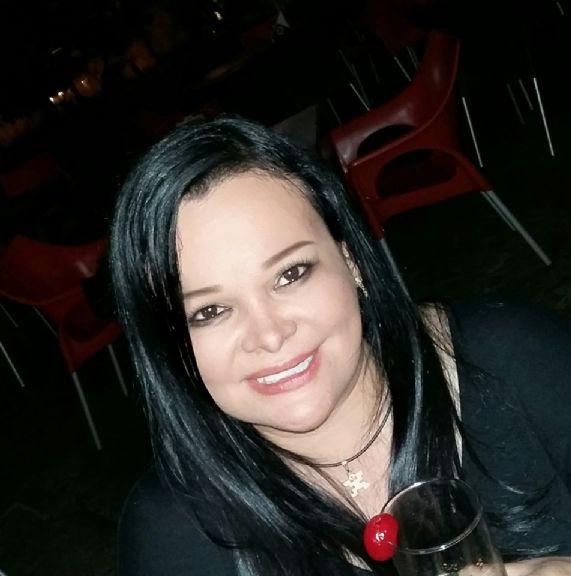 Adriana, Mujer de Orlando buscando conocer gente