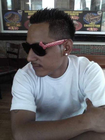 Fernando, Chico de Los Angeles buscando amigos