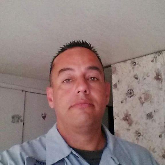 Octavio, Hombre de Paramount buscando conocer gente