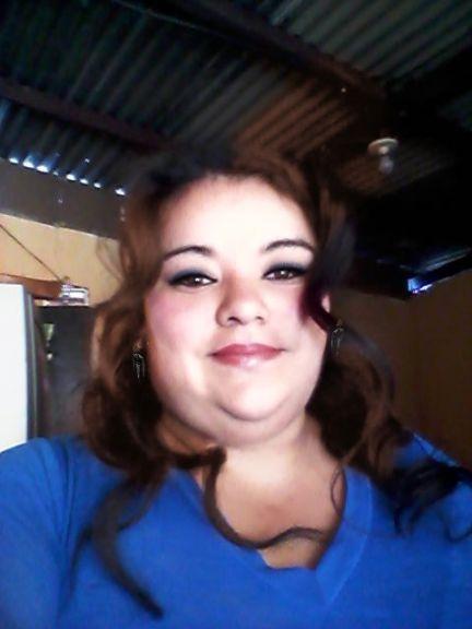Joha de león , Chica de Villa Nueva buscando una cita ciegas