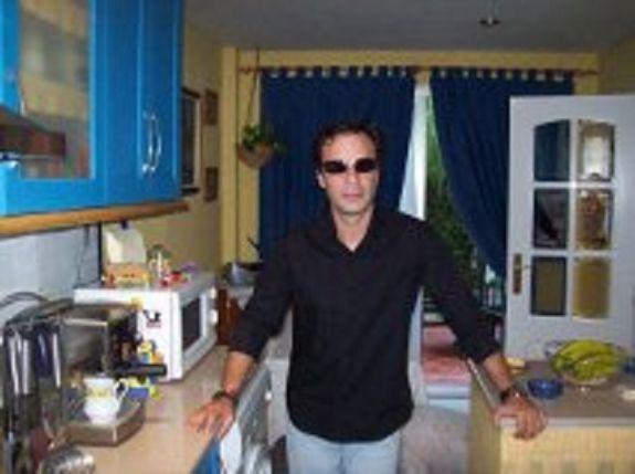 Daniel, Hombre de Sevilla buscando amigos