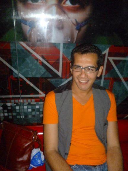Cristhian burgos, Hombre de Montevideo buscando pareja