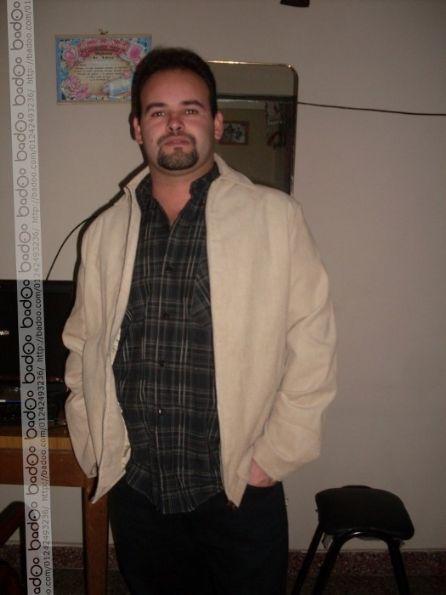 Roberto gomez , Hombre de San Nicolás de Los Arroyos buscando conocer gente