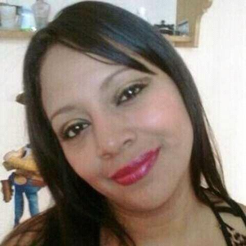 Alex, Mujer de Antigua Guatemala buscando una cita ciegas