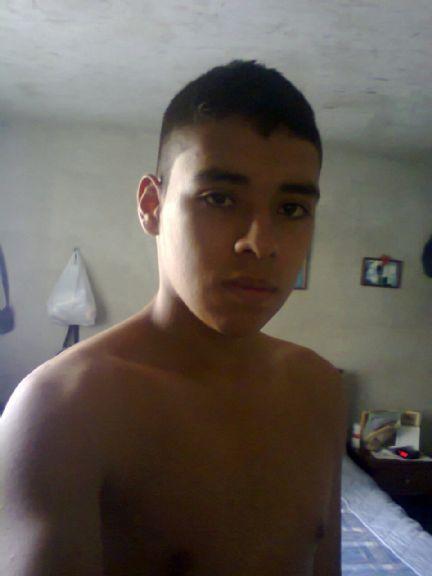 Jhonatan guzman, Chico de Medellín buscando conocer gente
