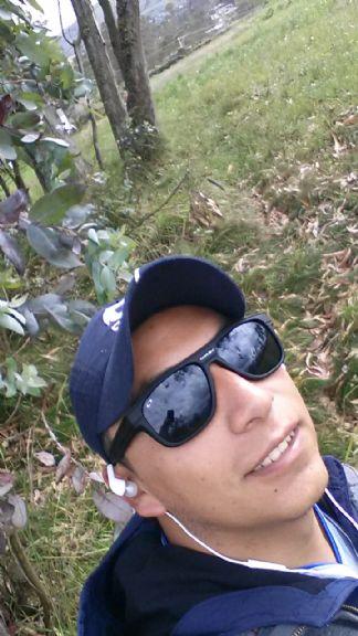Alvaro poveda, Chico de Ambato buscando amigos