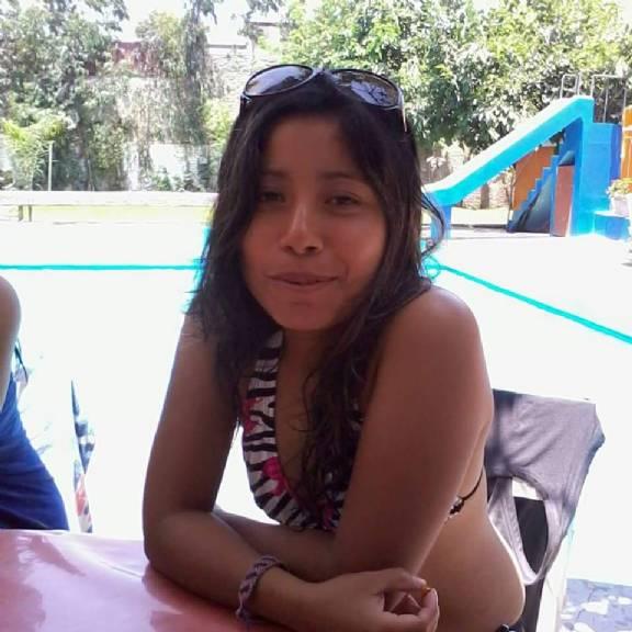 Ysa, Chica de Callao buscando una cita ciegas
