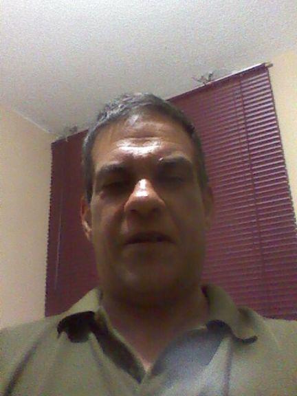 Eduardo, Hombre de Caracas buscando pareja